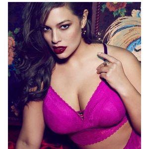 be64f673fb55ab Ashley Graham Intimates   Sleepwear - ⭐️Ashley Graham Convertible Bralette  NWT